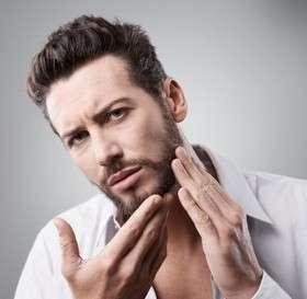 Minoxidil pour accélérer la barbe : une fausse bonne idée